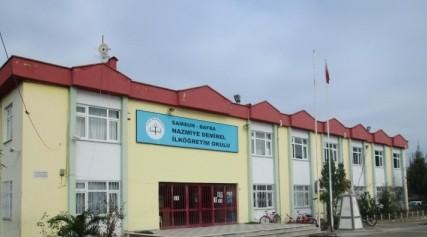 Bafra Nazmiye Demirel İlköğretim Okulu İlk Mezunları